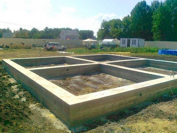 Строительство фундамента домов из блоков своими руками 343